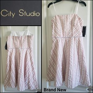 🆕️CITY STUDIO Stripes Strapless Dress